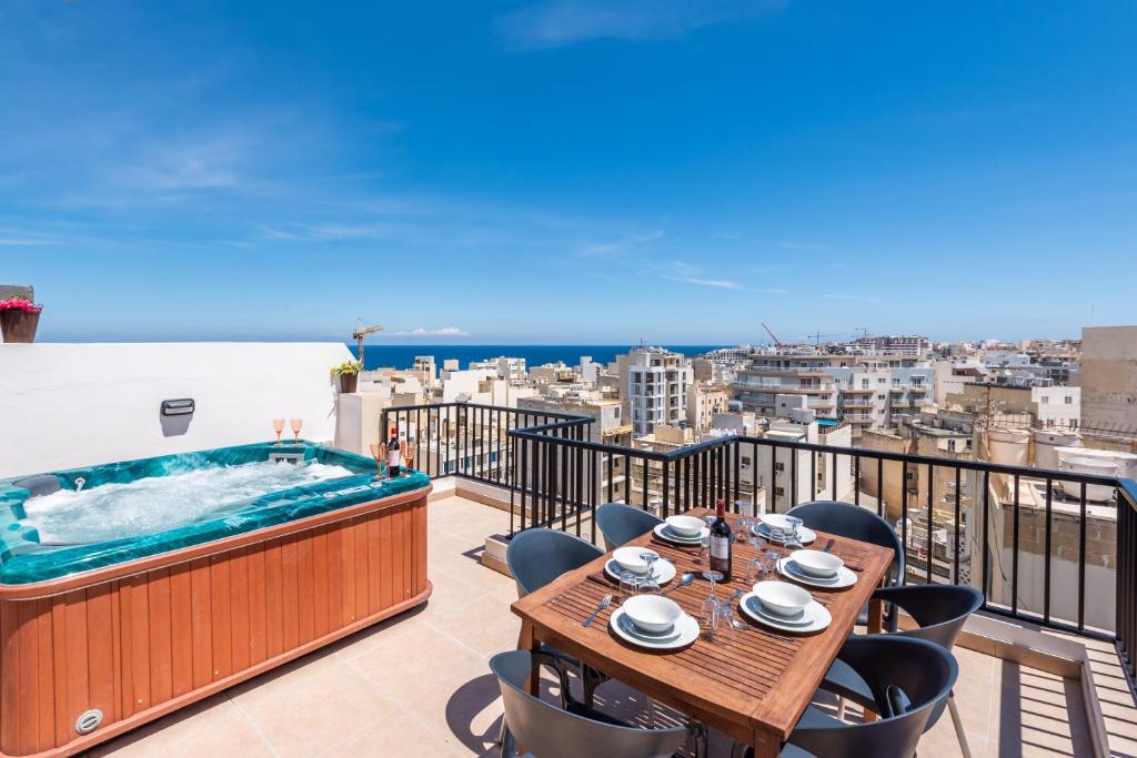 Seashells Penthouse With Hot Tub.