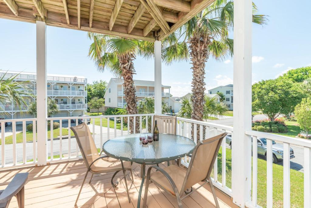 A balcony or terrace at 12 Seabreeze Lane