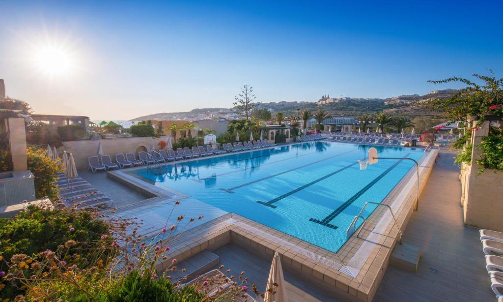 Swimmingpoolen hos eller tæt på Mellieha Holiday Centre