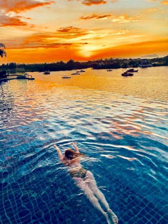 Royal Traveller Suite @ KK Cozy Oceanus, Kota Kinabalu, Malaysia