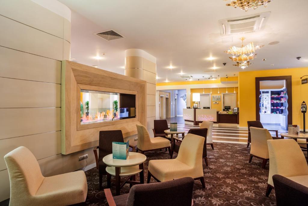 Лаундж или бар в Hilton Garden Inn Krasnodar
