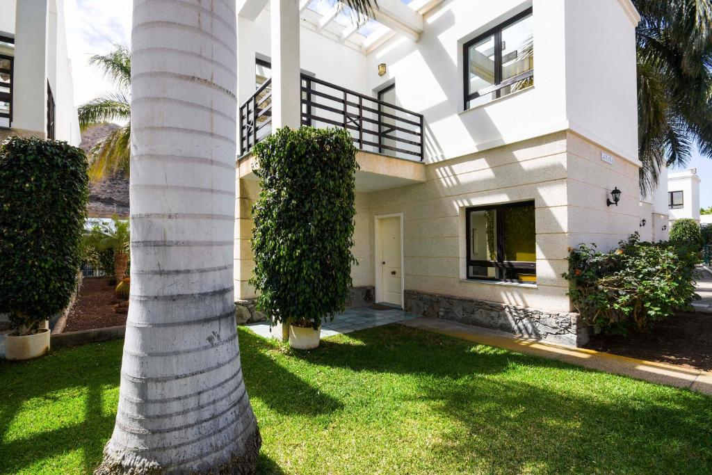Sunshine Beach Villas, Puerto Rico, Spain - Booking.com