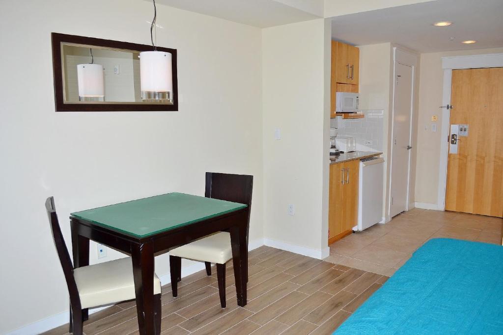 ELATION 5513 Apartment