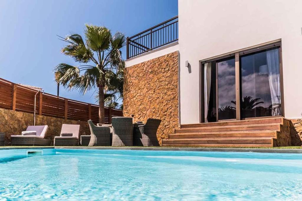 Paradise Beach House: piscina privada, playa 100m, Corralejo ...