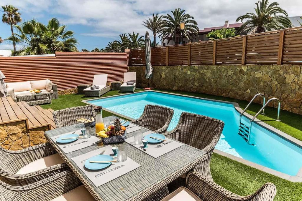 Villa Paradise Beach House: piscina privada, playa 100m ...