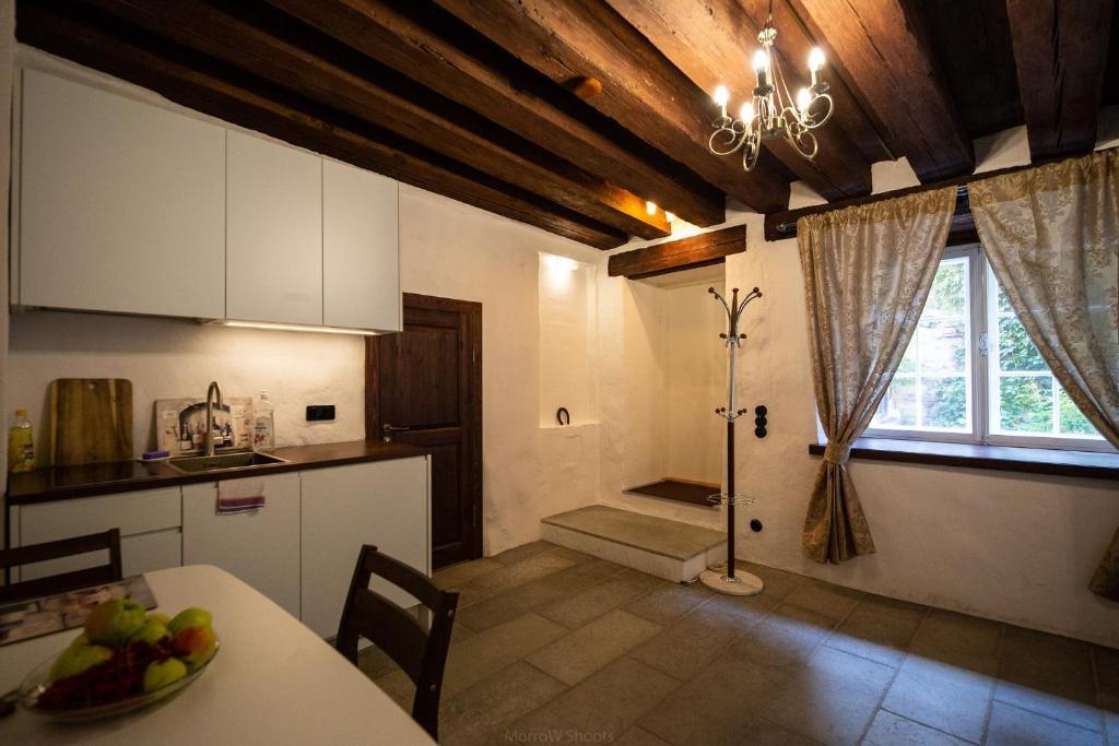 Majoituspaikan Medieval Home keittiö tai keittotila