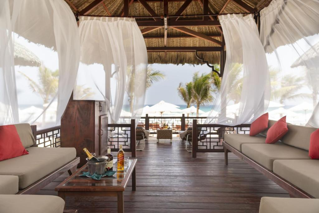 A restaurant or other place to eat at Swandor Cam Ranh Resort-Ultra All Inclusive