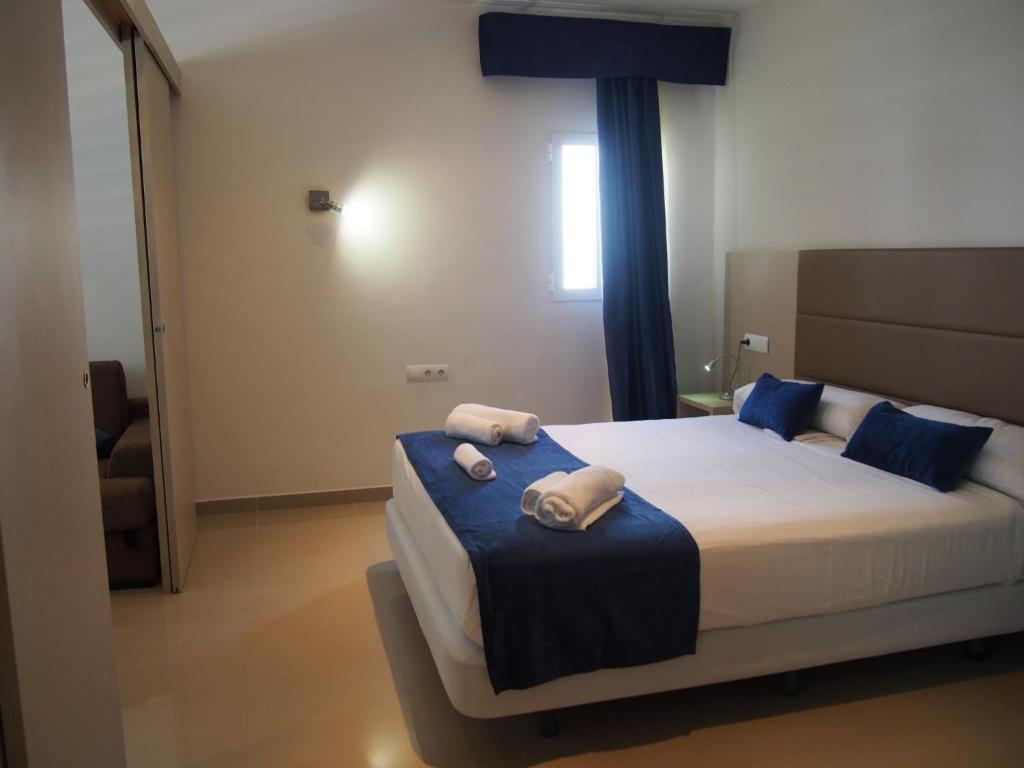 Hotel Roca Bella (España Es Pujols) - Booking.com
