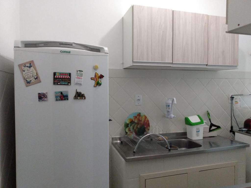 A kitchen or kitchenette at Edifício Aurora