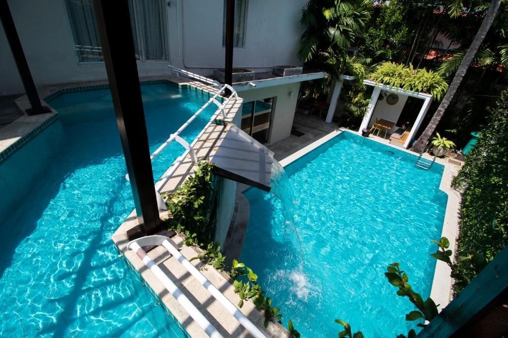 A view of the pool at Colombo House by Ceilao Villas or nearby