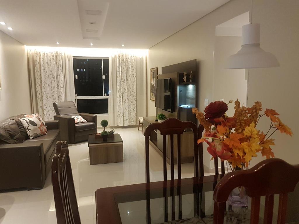 A seating area at Apartamento de 3 quartos a 100 metros da Praia de Boa Viagem