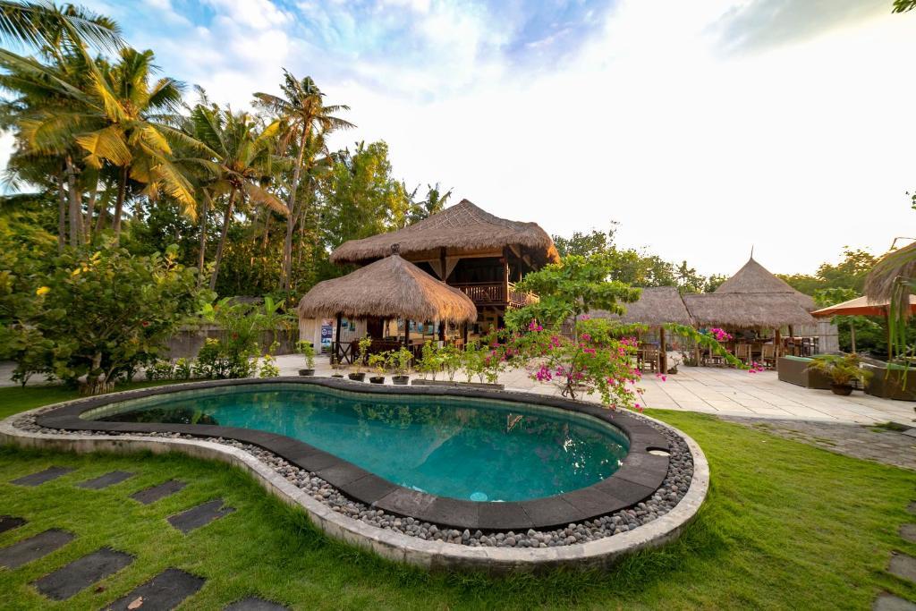 Der Swimmingpool an oder in der Nähe von Ceningan Resort