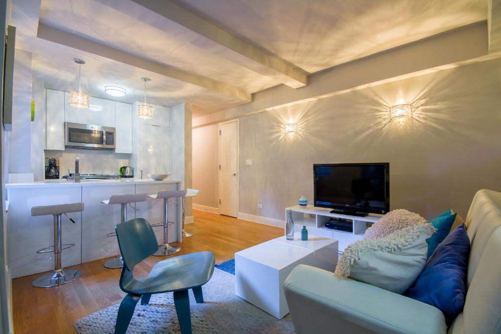 Modern Two Bed Room Chelsea Apartment, New York, NY ...