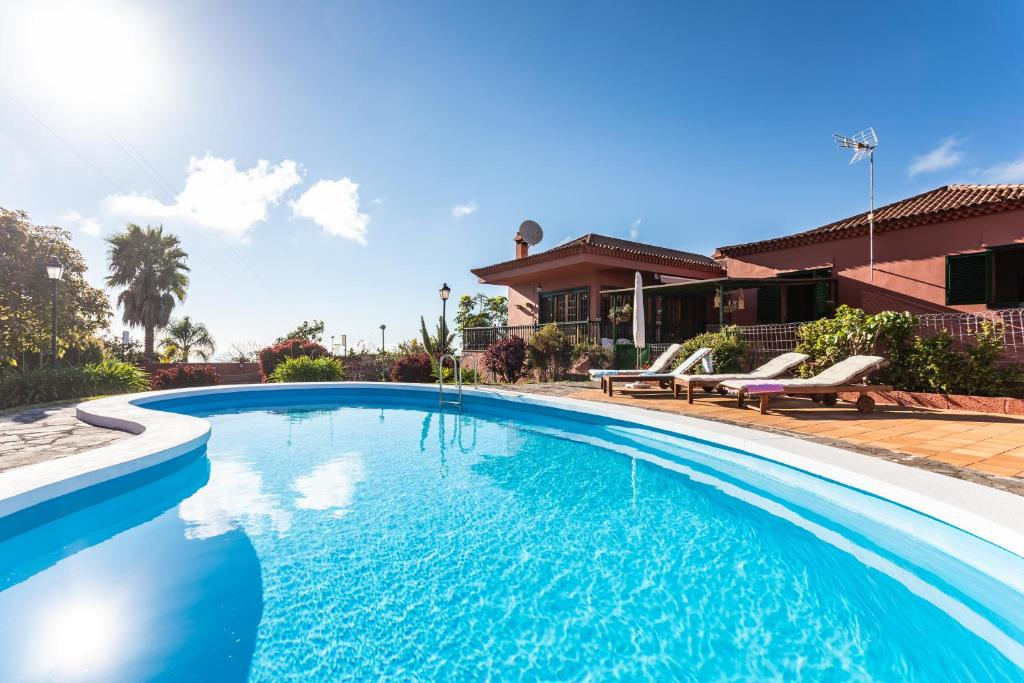 The swimming pool at or near HomeLike Luxury Villa Luna de Tacoronte Pool