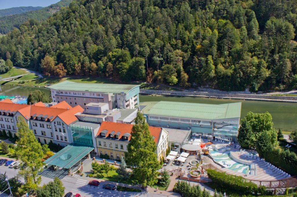 Hotel Zdravilisce - Thermana Lasko с высоты птичьего полета