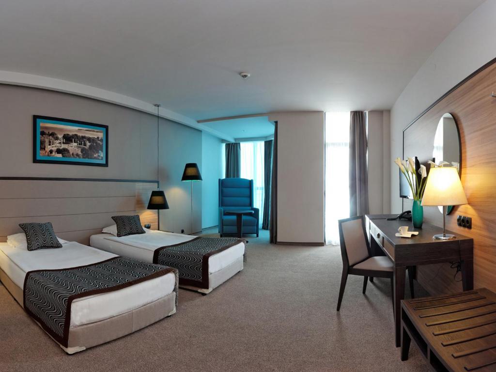 هتل آسترا