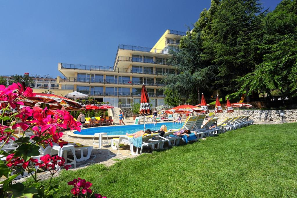 The swimming pool at or near Hotel Gradina