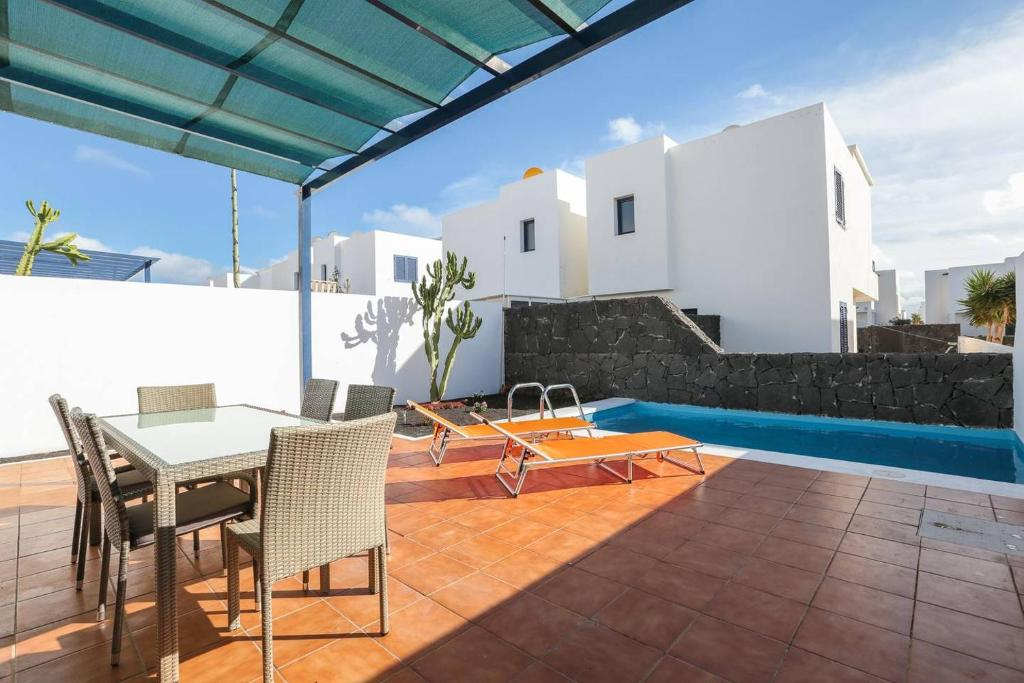 Perfecta Villa con piscina privada, Wifi, Yaiza – Precios ...