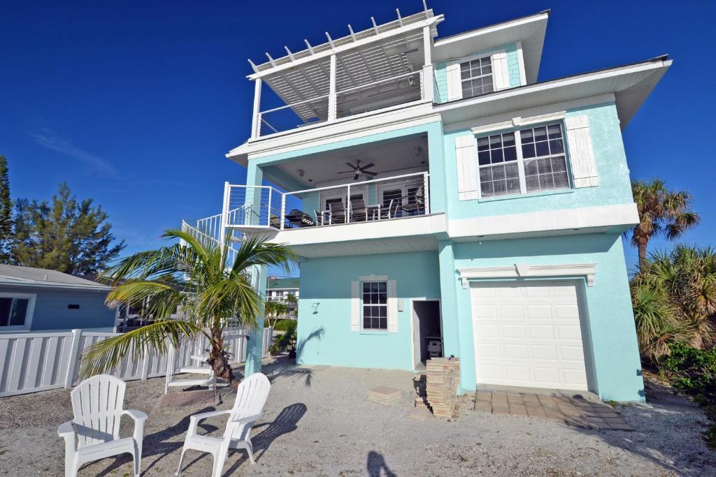 Beach House 3104