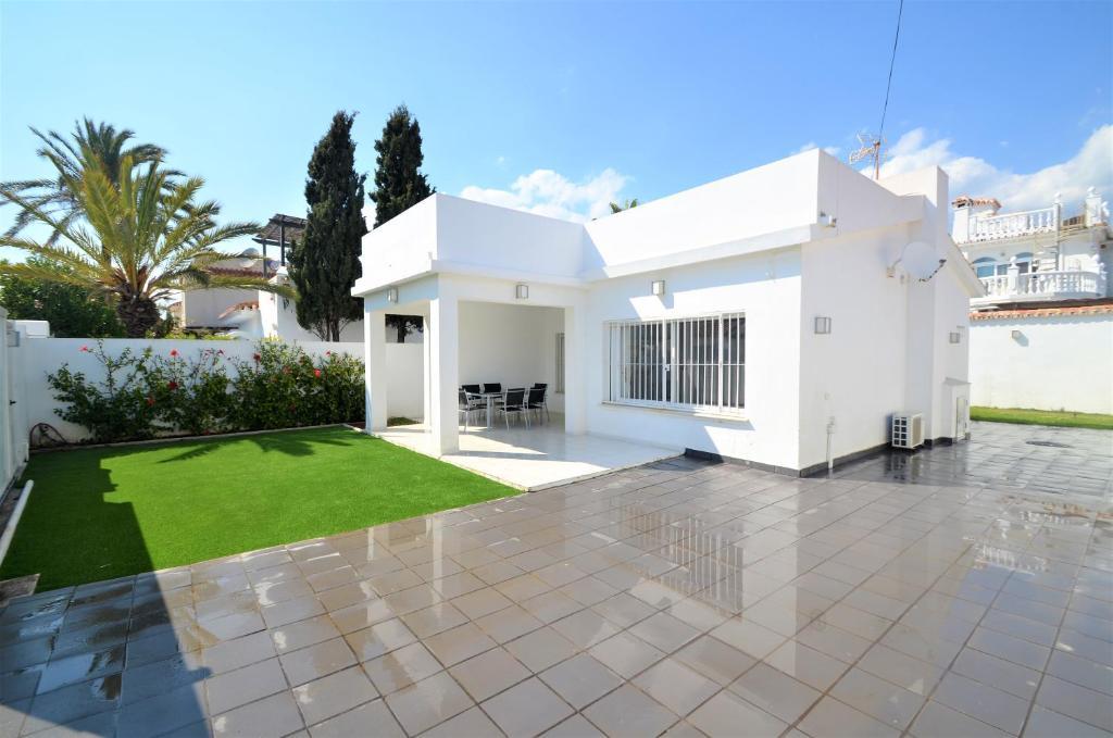 A solo 20 metros de la mejor playa!!!, Marbella – Precios ...