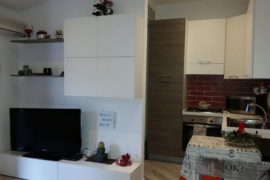 Appartamento Romantico Monolocale Con Veranda E Terrazza