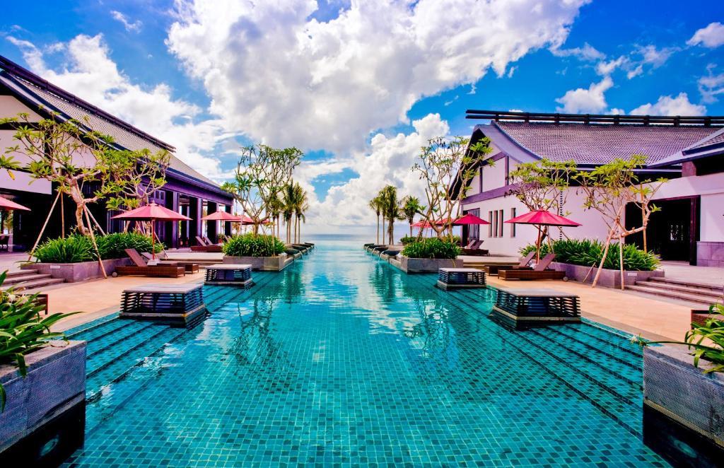 Бассейн в Narada Resort & Spa Perfume Bay Sanya - All Villas или поблизости