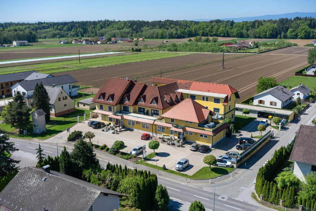 A bird's-eye view of Hotel Restaurant Schachenwald