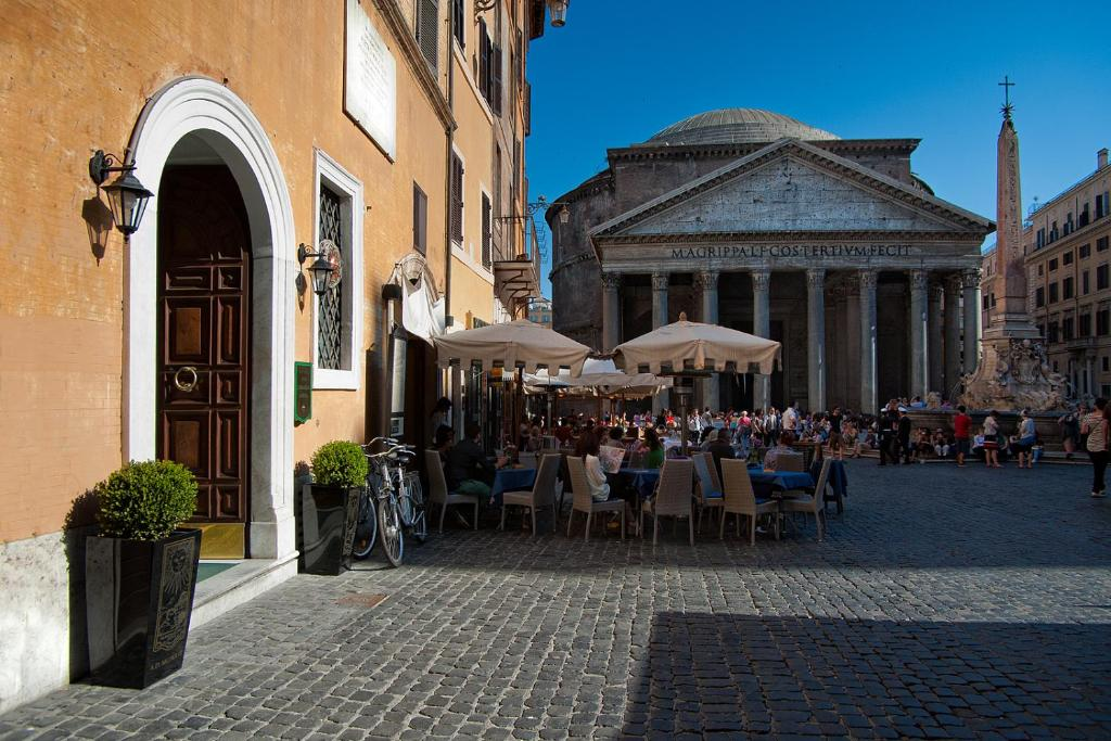 Hotel Sole Al Pantheon (Italia Roma) - Booking.com