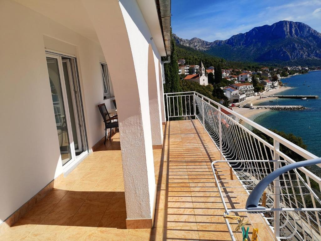 A balcony or terrace at Apartmani Lukić