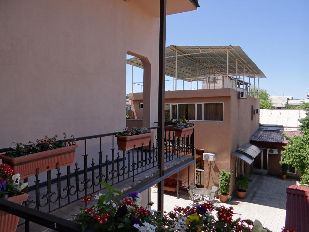 A balcony or terrace at Areg Hotel