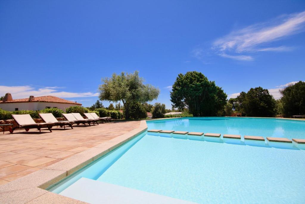 Fiori Gialli In Sardegna.Holiday Home I Fiori Gialli Di Cala Di Volpe Abbiadori Italy