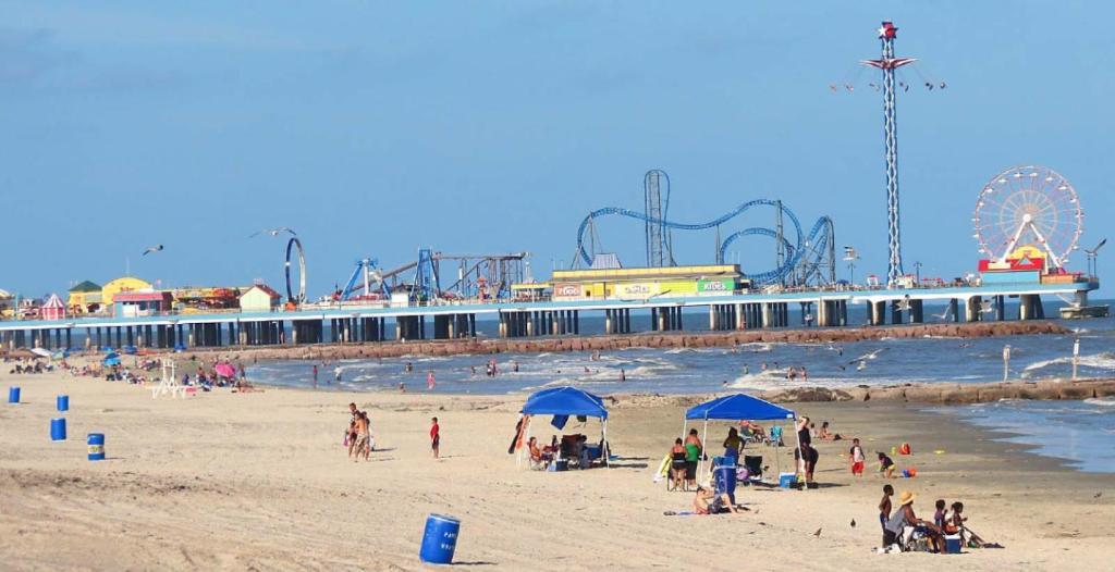 Cozy Value Beach Condo Galveston Tx