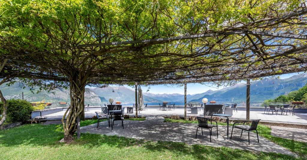 Panorama Tavoli Da Giardino.Bike Active Hotel Il Perlo Panorama Bellagio Prezzi Aggiornati