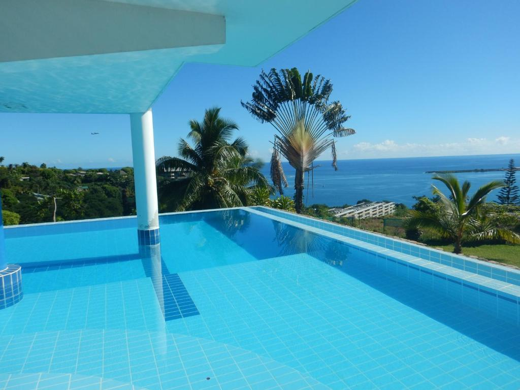The swimming pool at or close to L'alizé