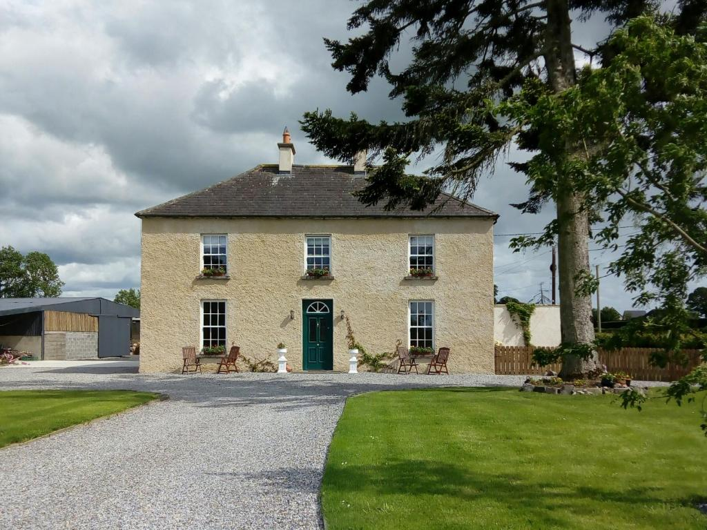 Republic of Ireland Commercial property priced between 225,000