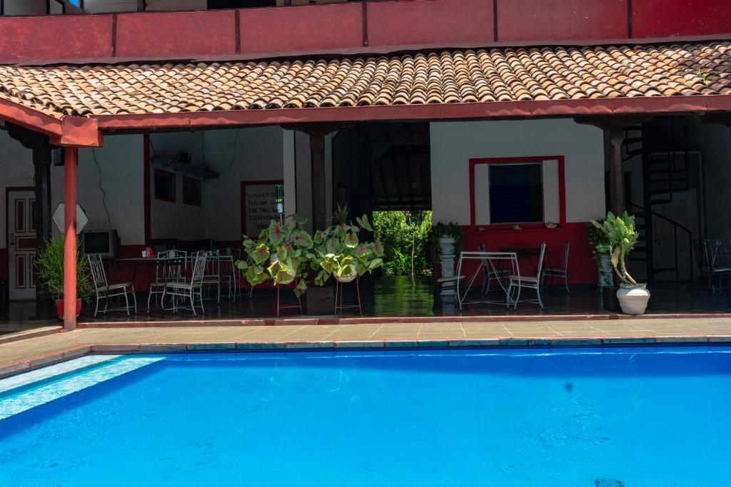The swimming pool at or near Hostal Lazybones