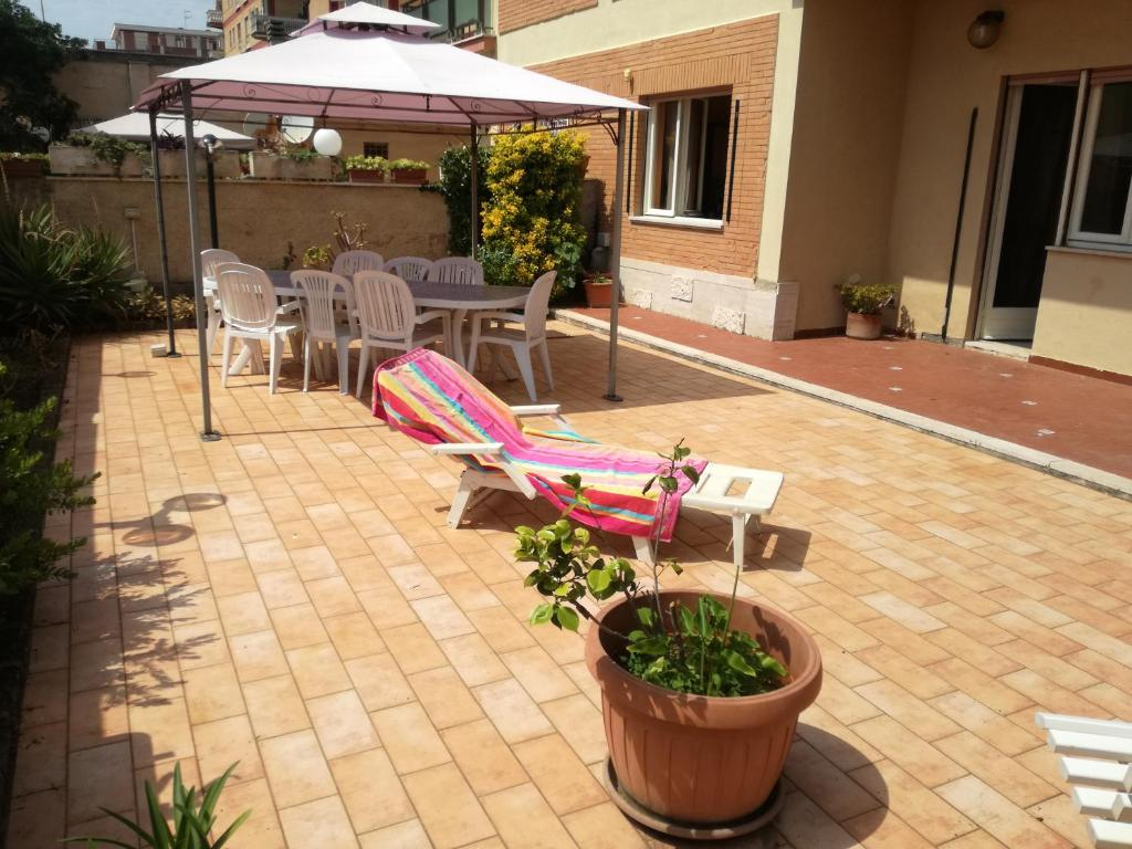 Max Relax Divani Roma.Max Mare Barbecue E Relax Torvaianica Updated 2020 Prices