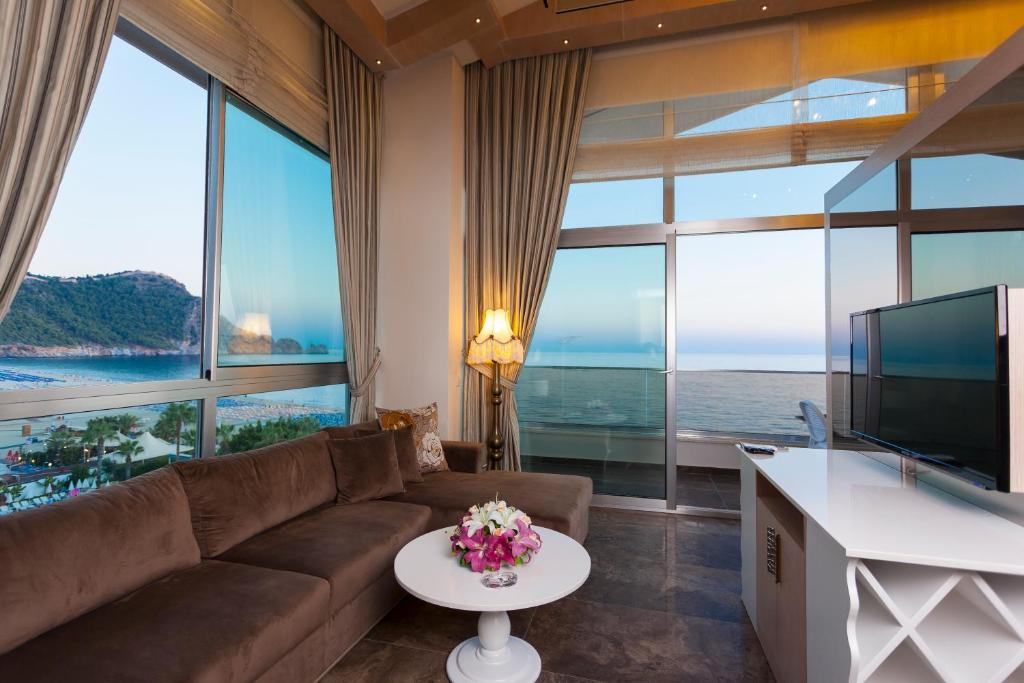 Гостиная зона в Xperia Saray Beach Hotel