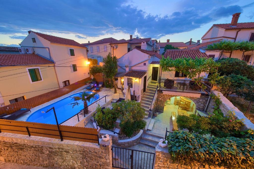 A view of the pool at Holiday Home Traum or nearby
