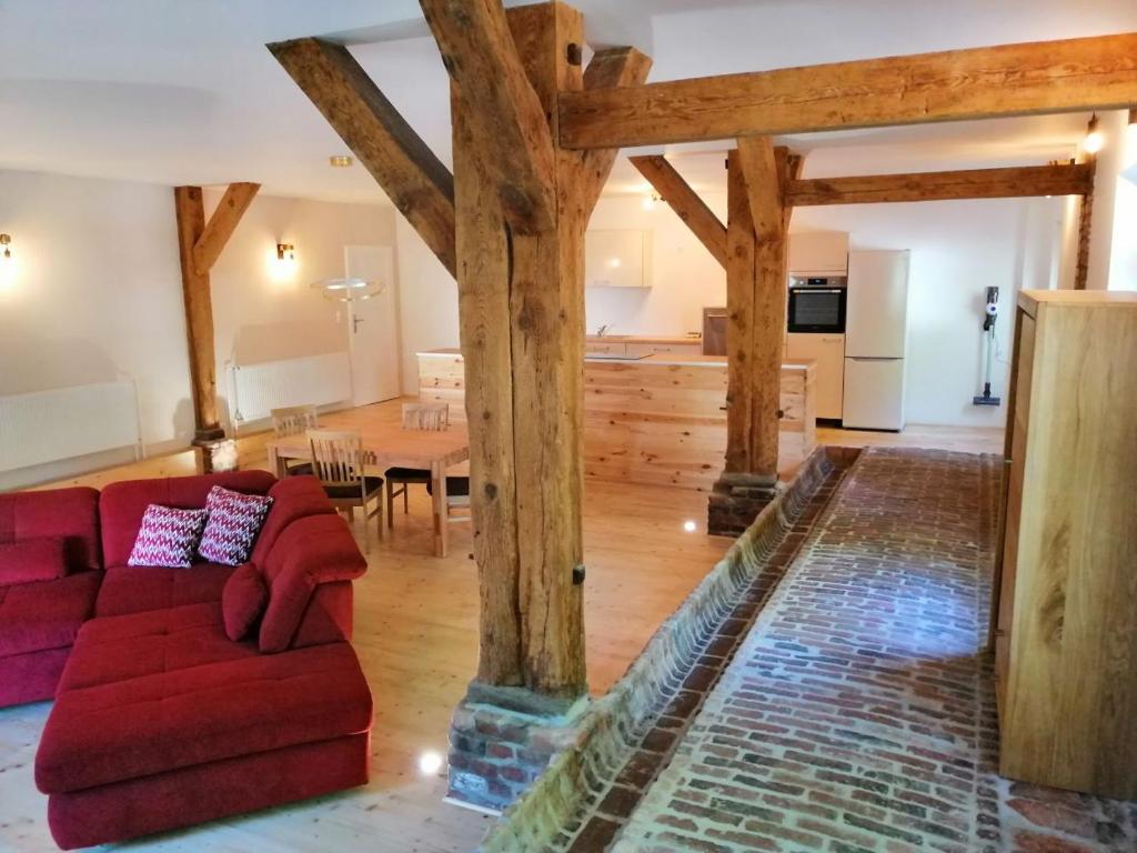 Ein Sitzbereich in der Unterkunft Ferienwohnungen Poppelvitz