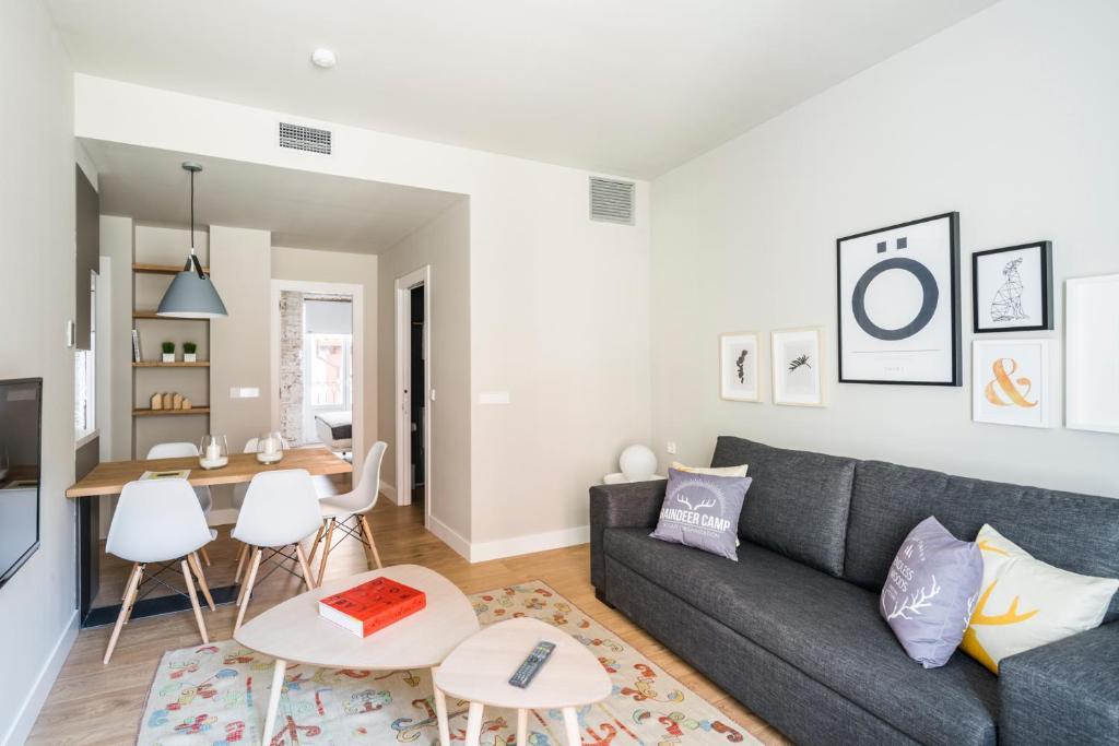 Phenomenal Apartamentos Eleven Rooms Burgos Spain Booking Com Ncnpc Chair Design For Home Ncnpcorg