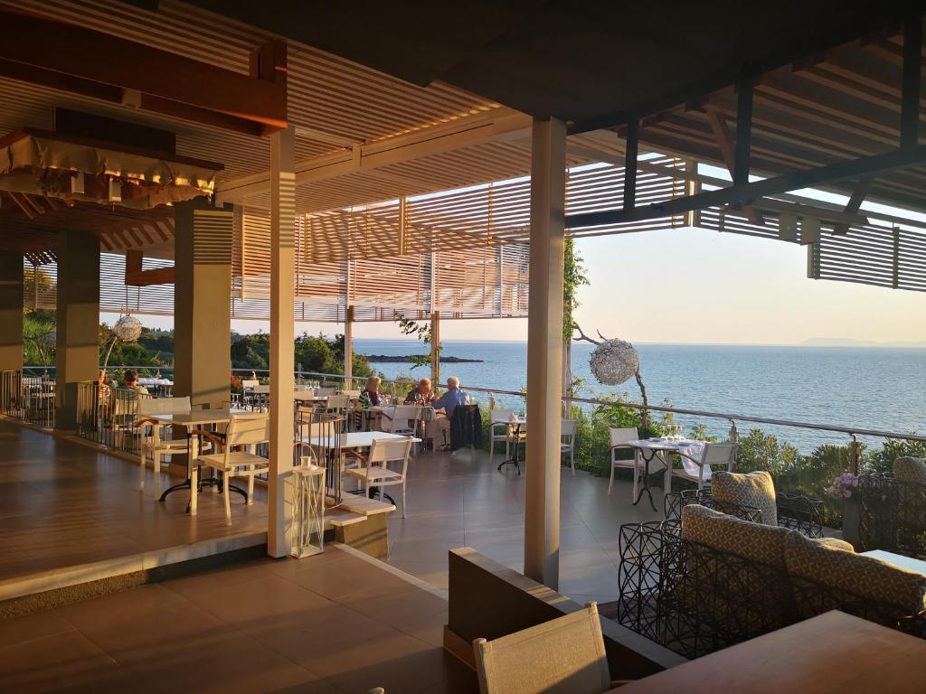 Ресторан / й інші заклади харчування у Mare Dei Suites Hotel Ionian Resort