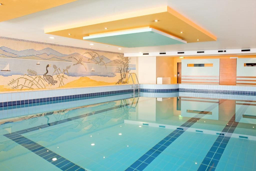 The swimming pool at or near Hotel Lyskirchen