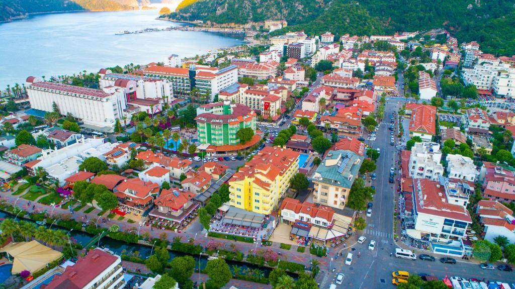 Een luchtfoto van Private Hotel