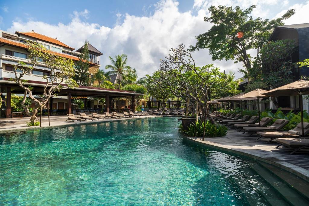 The swimming pool at or near Ramayana Resort and Spa