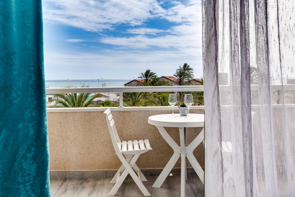 Huoneisto Calle La Sal Sea View Espanja Torrevieja Booking Com