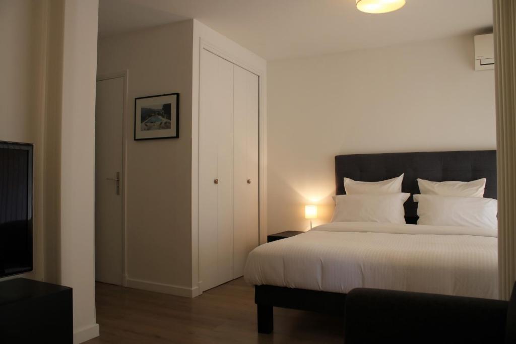Apartment Studio Bord De Mer Villeneuve Loubet France Booking Com