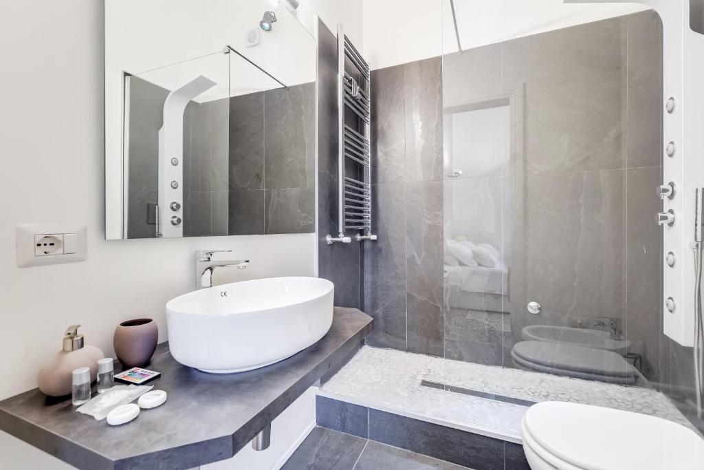 Lola Y Javi Lo Hacen En El Bano.Pension Monti Luxury Italia Roma Booking Com