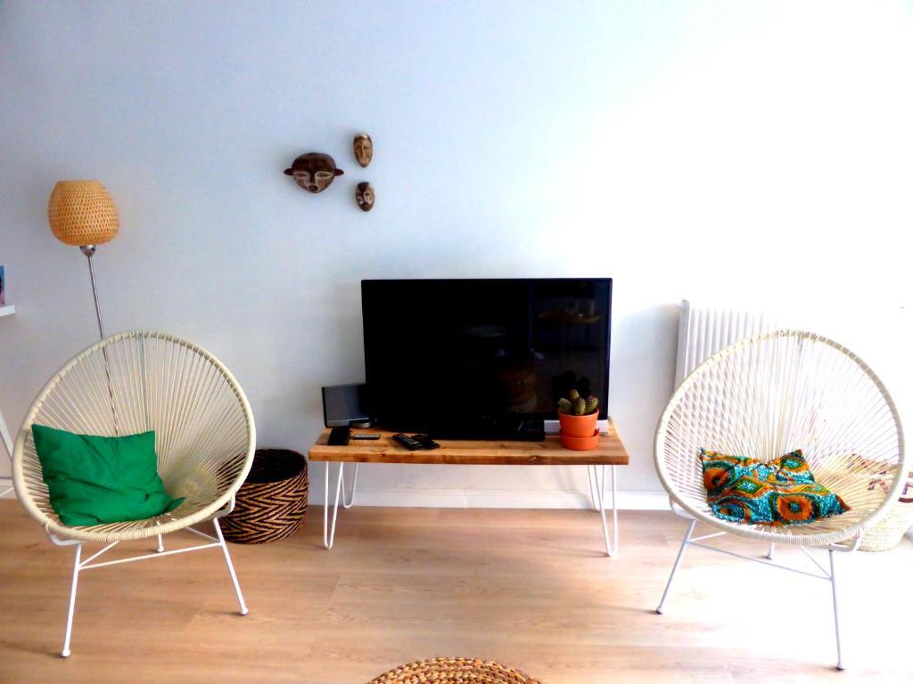 Apartment Studio rez-de-jardin, Antibes, France - Booking.com