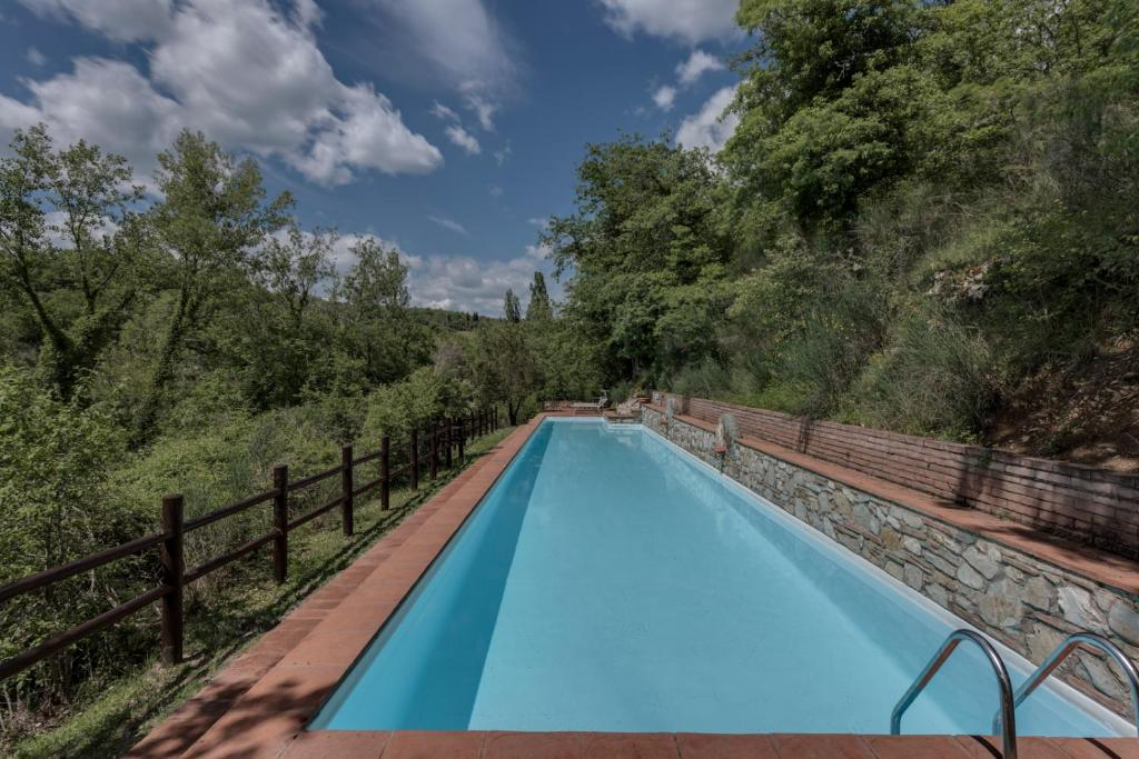The swimming pool at or close to Ultimo Mulino Country Hotel